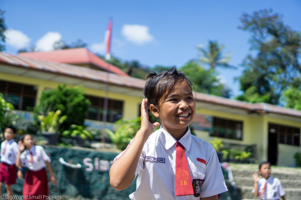 Indonesia, Lake Toba, Girl
