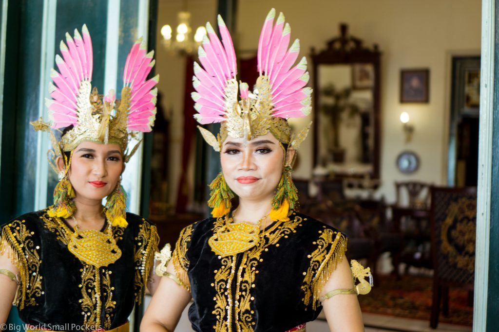 Indonesia, Yogyakarta, Dancers