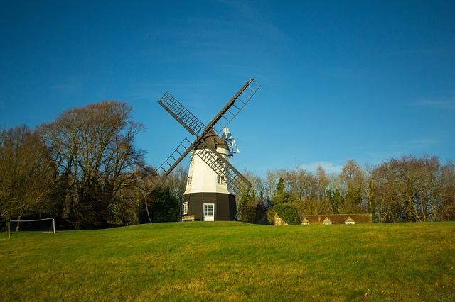 UK, Chiltern Hills, Windmill