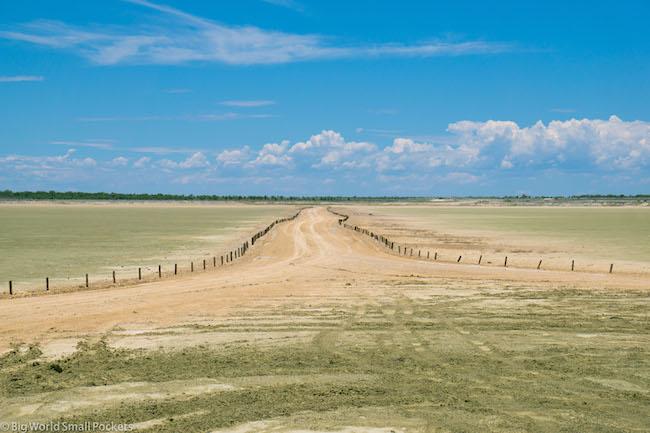Namibia, Etosha, Desert Road