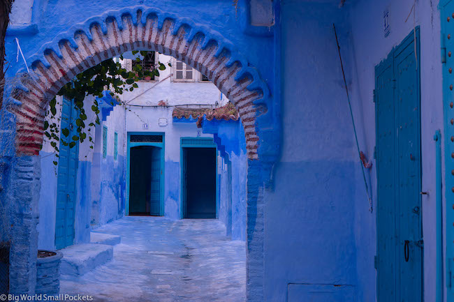 Morocco, Chefchaouen, Arch