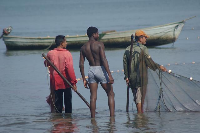 Guatemala, Livingston, Fishermen