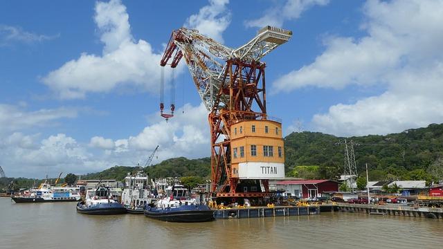 Panama, Panama Canal, Crane