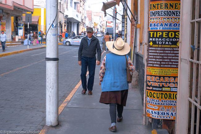 Peru, Arequipa, Lady in Street