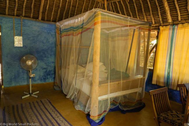 Kenya, Distant Relatives, Banda Bedroom