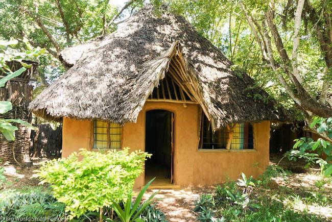 Kenya, Distant Relatives, Banda