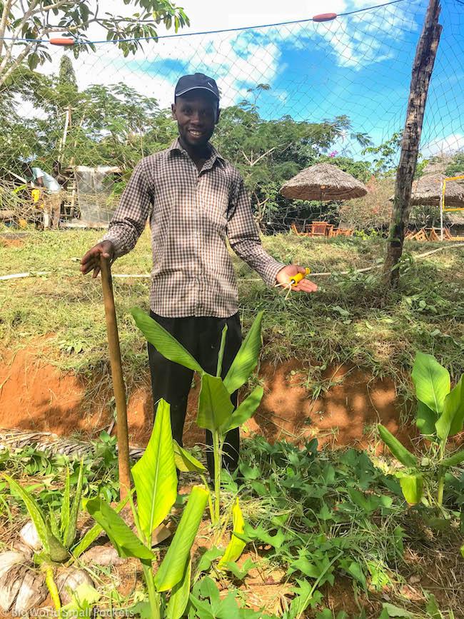 Kenya, Distant Relatives, Benji