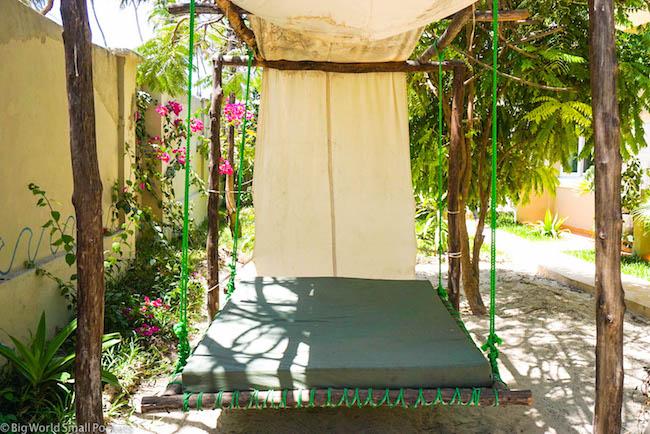 Zanzibar, Paje, Ebb & Flow Day Bed