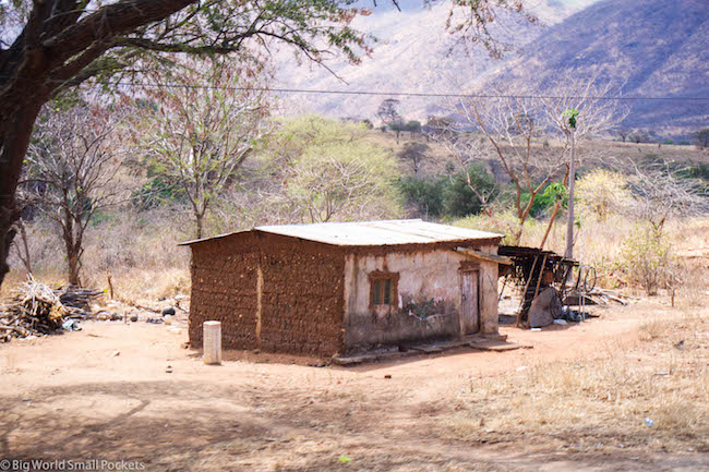 Malawi, Lake Malawi, Hut