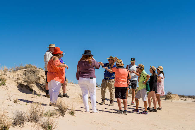 Australia, Mungo National Park, Tour Group