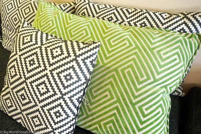 Israel, Tel Aviv, Abraham Hostel Cushions