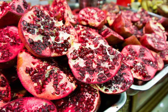 Jordan, Souk, Pomegranate