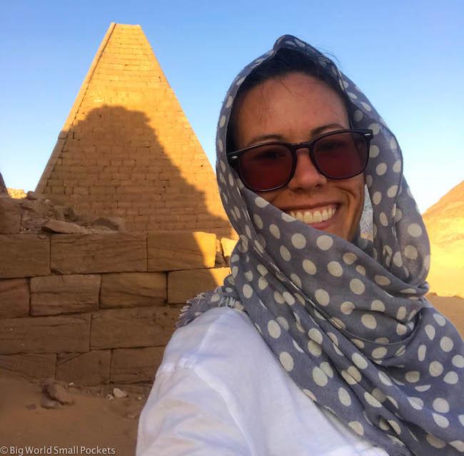 Sudan, Pyramids, Headscarf