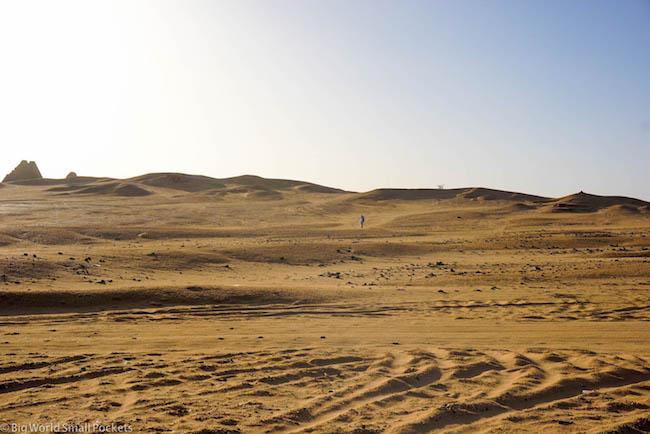 Sudan, Karima, Main in Desert