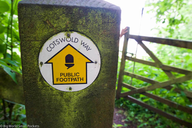 UK, Cotswolds Way, Hiking Sign