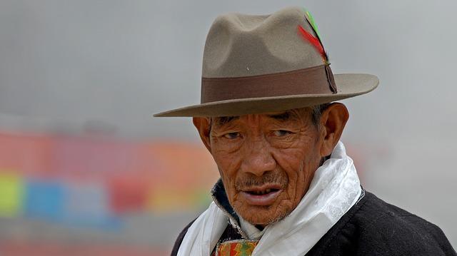 Tibet, Lhasa, Man