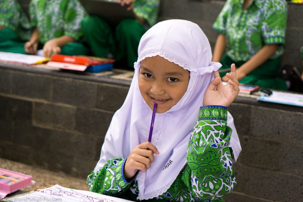 Indonesia, Bukittinggi, Schoolgirl