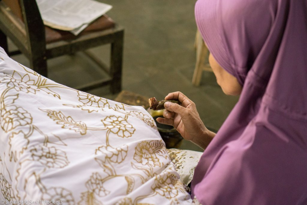 Indonesia, Yogyakarta, Batik Artist