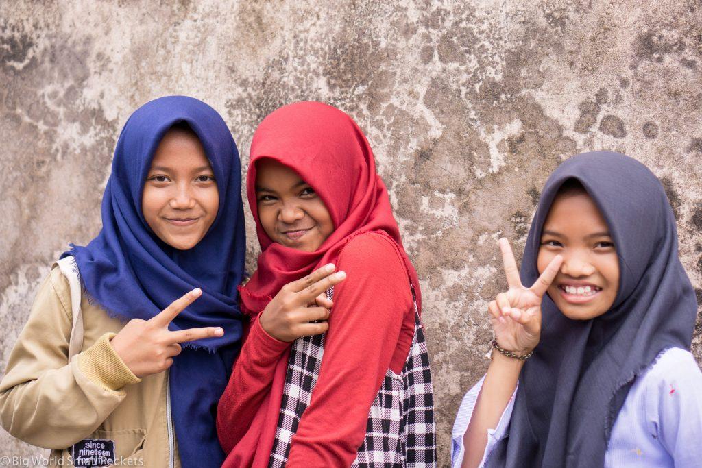 Indonesia, Yogyakarta, Girls