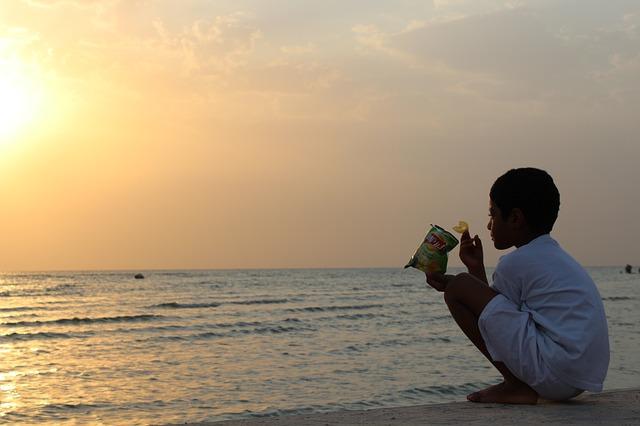 Saudi Arabia, Coast, Boy