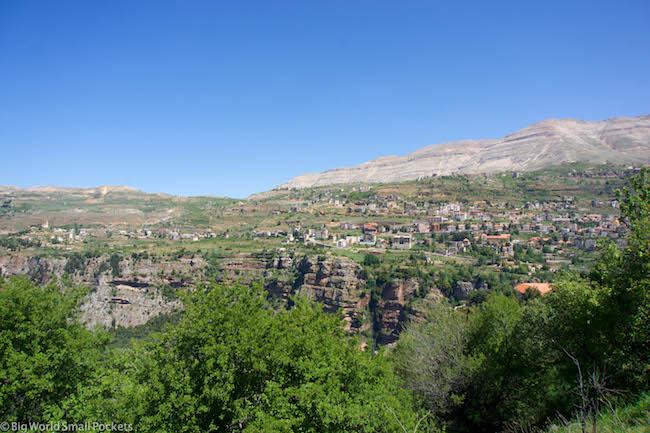 Lebanon, Cedars, Town
