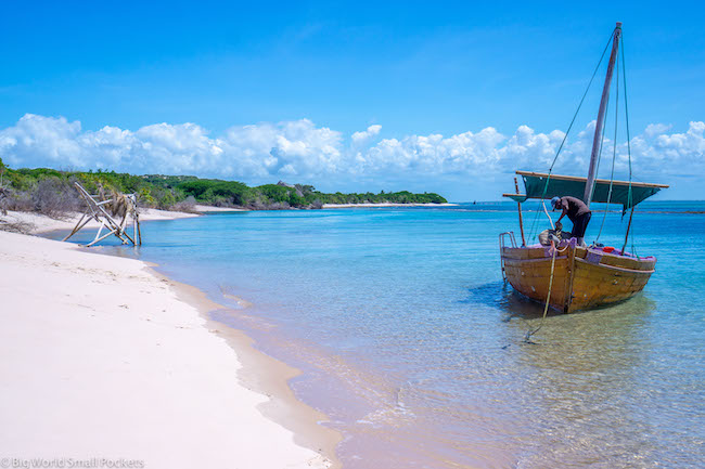 Mozambique, Bazaruto Archipelago, Local Boat