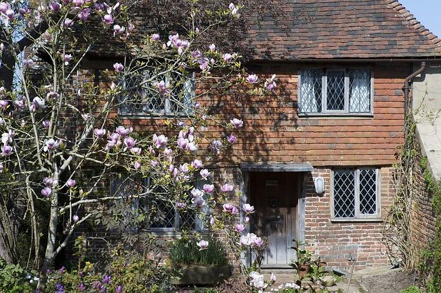 UK, Kent, Cottage