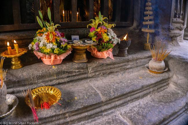 Cambodia, Angkor Wat, Offerings