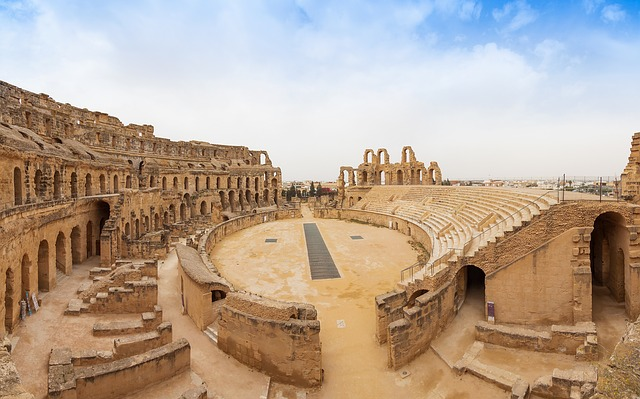 Tunisia, El Djem, Architecture