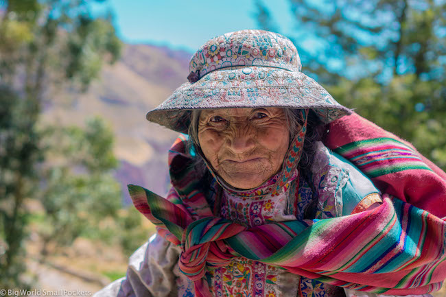 Peru, Colca Canyon, Lady
