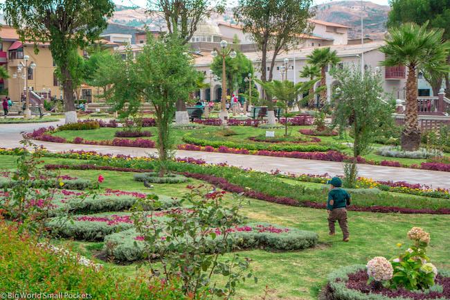 Peru, Huaraz, Plaza Des Armas