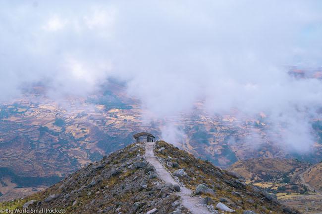 Peru, Huascaran National Park, Laguna Churup Hut