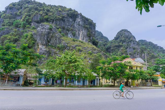 Vietnam, Phong Nha, Town