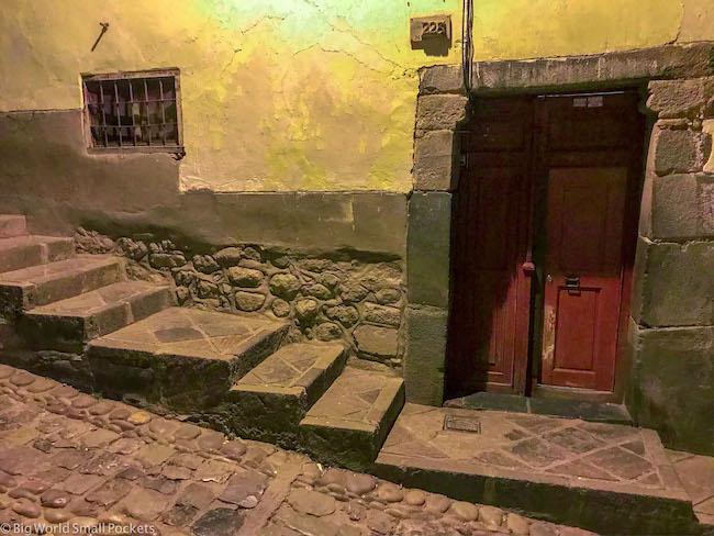 Peru, Cusco, Doorway