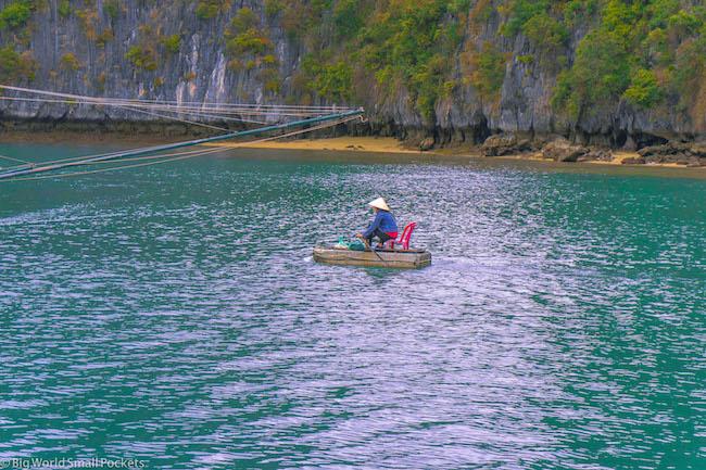 Vietnam, Lan Ha Bay, Lady