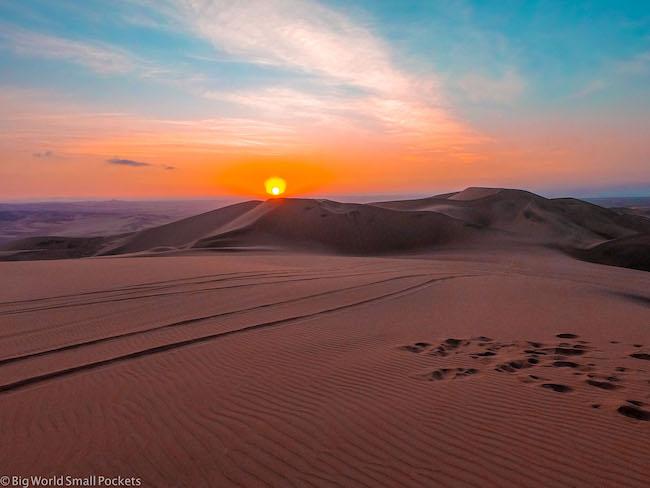Peru, Ica Desert, Sunset