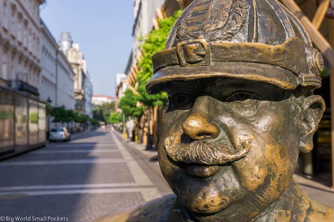 Hungary, Budapest, Statue
