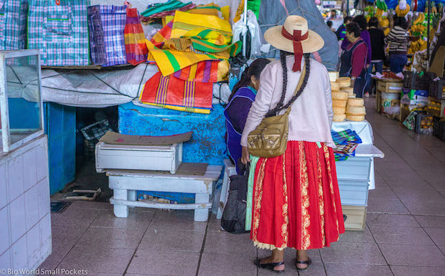 Peru, Arequipa, Woman in Market