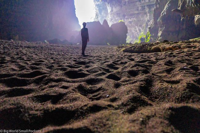 Vietnam, Phong Nha, Me Inside Cave