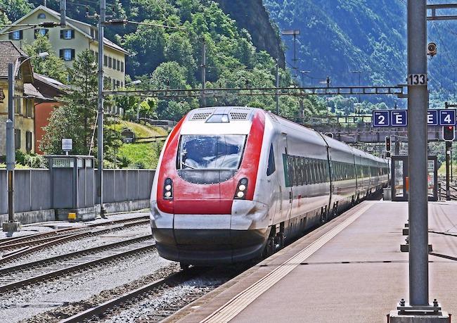 Vienna to Zurich, Train, Station