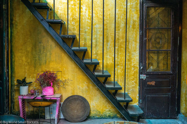 Vietnam, Hanoi, Yellow Cafe
