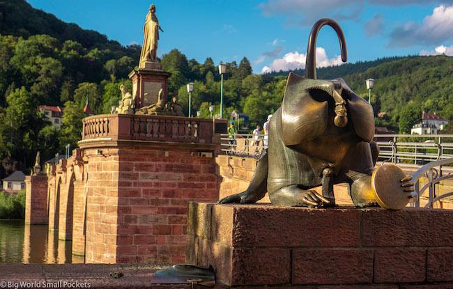 Germany, Heidelberg, Cat Statue