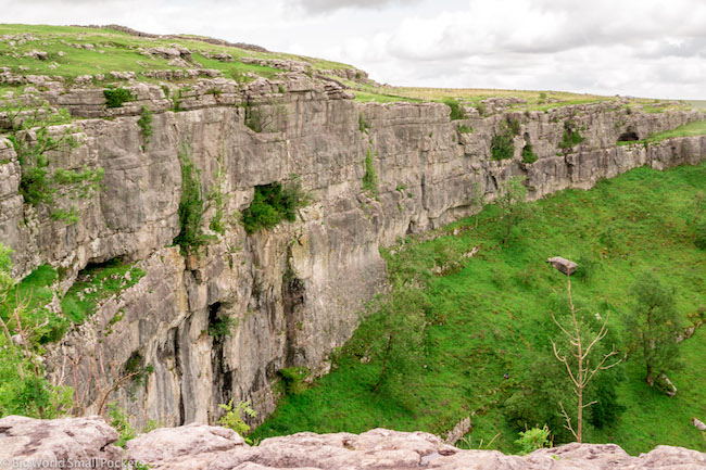 England, Yorkshire, Malham Cove Cliff Face