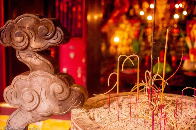 Vietnam, Hanoi, Temple