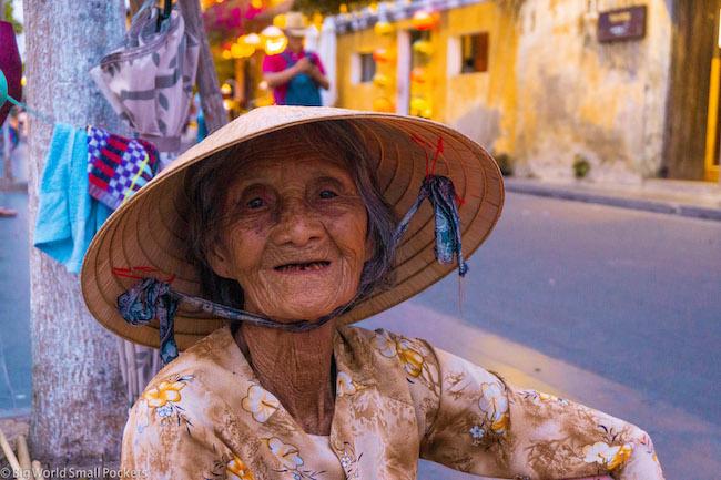 Vietnam, Hoi An, Lady