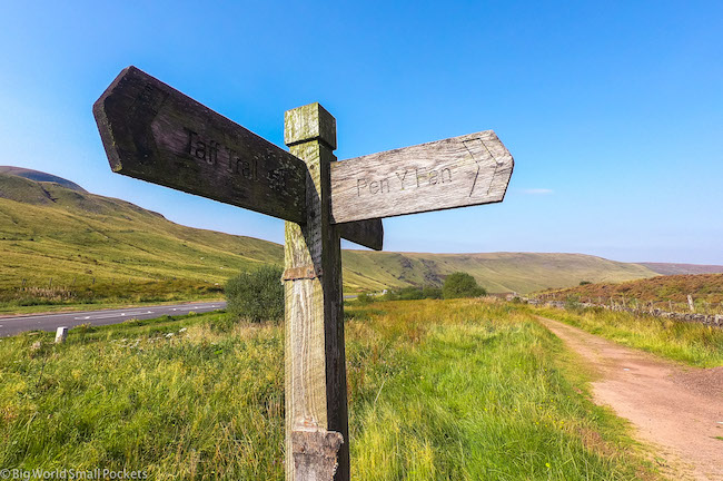 Wales, Brecon Beacons, Signpost