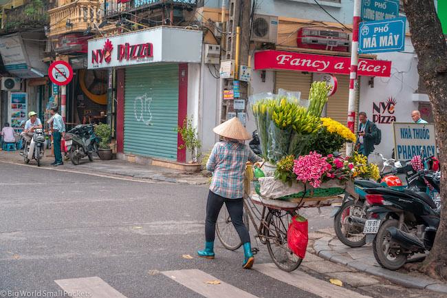 Vietnam, Hanoi, Old Town Street Seller