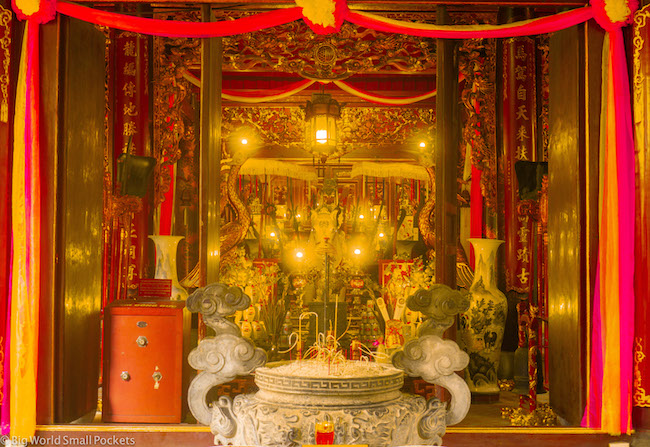 Vietnam, Hanoi, Temple Altar