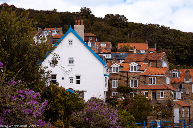 England, Yorkshire, Staithes Houses