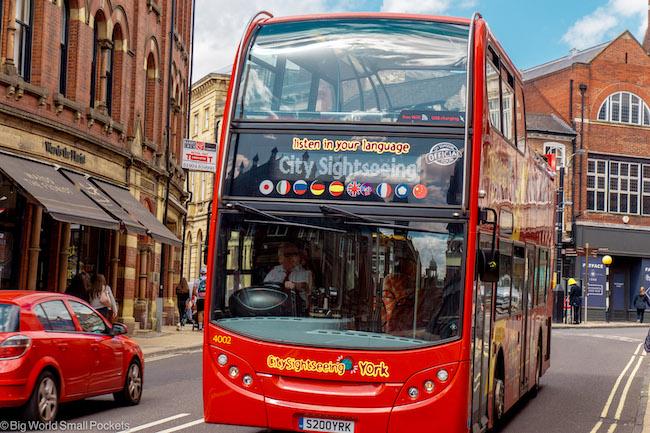 England, York, Bus